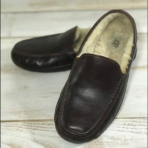Men's UGG Ascot Leather Slippers / House shoes